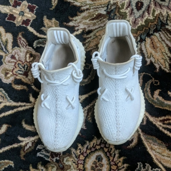 the latest 77f3f 13a5a Adidas Yeezy boost 350 V2/ triple white